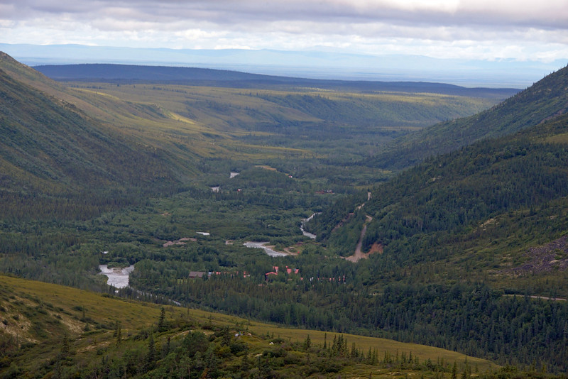 That's the Kantishna Roadhouse (our lodge) in the valley.