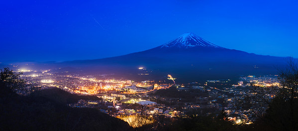 Mt. Fuji-night-panorama-city-lights