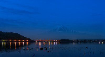 mt fuji at night