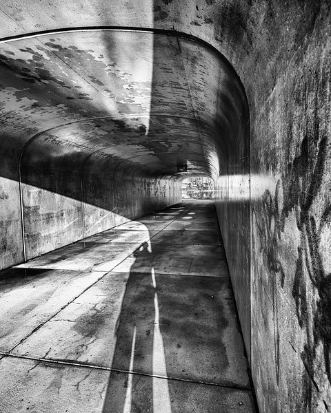 Shadows in  a sunlit tunnel - Full contrast - blue filter