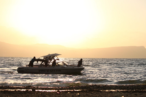 Speed boat in the Kinneret near the shore