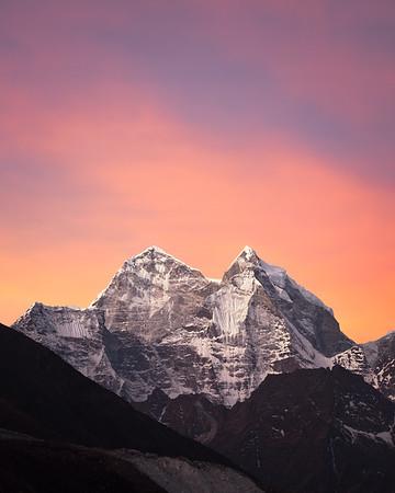 Peaks of Khumbu