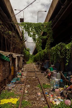 the train tracks in Klong Toey, Bangkok