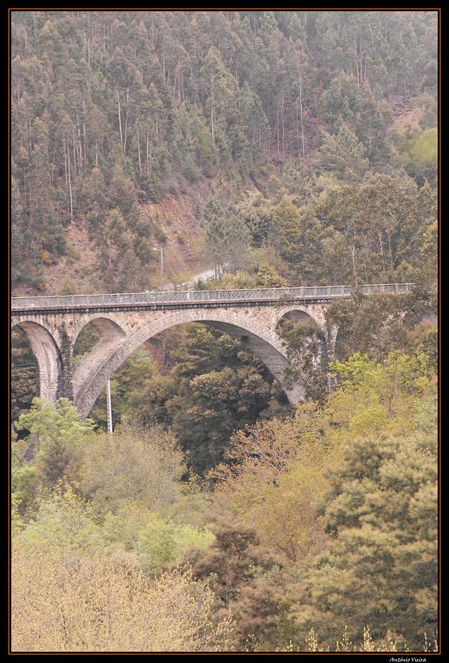 Vouga - Percurso na antiga linha de caminho de ferro  - Ponte do Poço Santiago (Monumento Classificado)