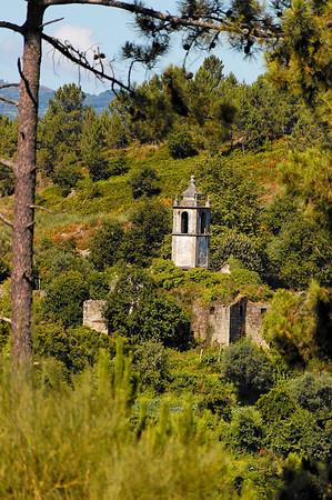 1.6. Caminho para a Capela do Senhor da Agonia-Igreja de S. Miguel do Mato Julho 2008