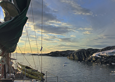 Sailing to Anarctica