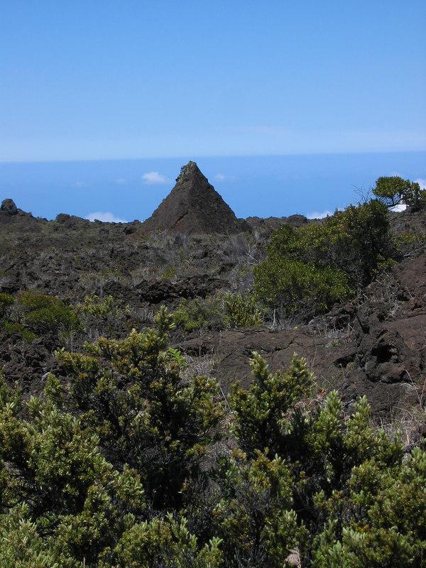 who said the Hawaiians never build pyramids?
