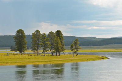 Hayden Valley, Yellowstone River near Alum Creek