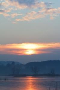 Golden hour: a spectacular sunrise at Sebino Natural Reserve