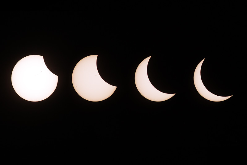 IMAGE: https://photos.smugmug.com/Nature/2017-Total-Solar-Eclipse/i-8r8GD82/0/bd6dbfa7/L/2017_08_21_13_16_40_40D_0421-L.jpg