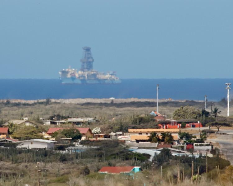 2018_ oil rig offshore Aruba_April_G5A1397