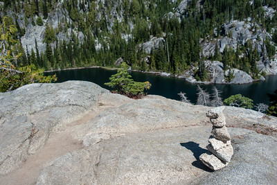 One of many rock cairns marking the way between Tuck and Robin Lakes