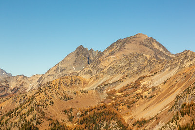 Mount Maude in front of a few of the fingers of Seven-Fingered Jack