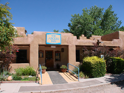 Abiquiu, New Mexico   http://wikitravel.org/en/Abiquiu