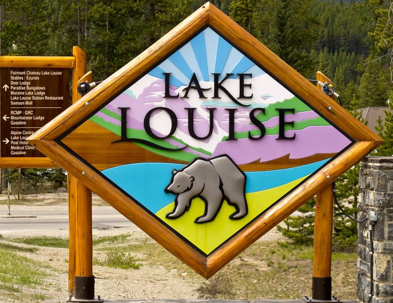 Sign Lake Louise<br /> Lake Louise Sign, Banff National Park, Alberta, Canada