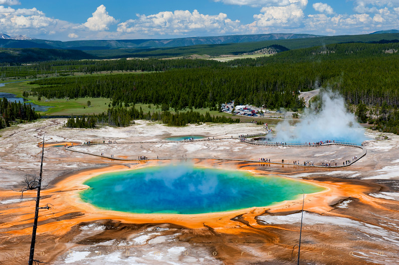 Grand Prismatic Spring in Yellowstone National Park (horizontal)