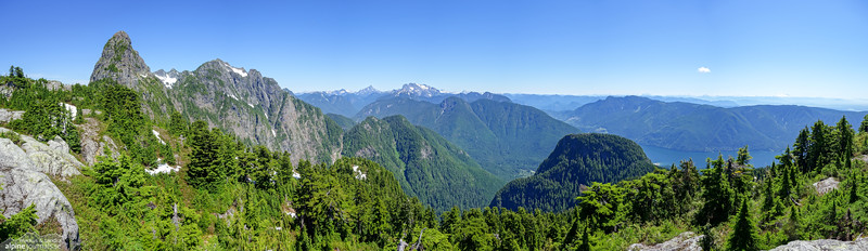 Magnificent panorama view to Blanshard Needle, Edge Peaks and Evans Peak from Alouette Mountain.