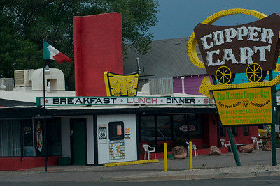Many old diners from the 40s and 50s remain along Route 66