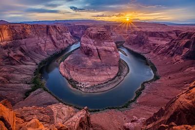 Horseshoe Bend in Page Arizona (Sunset)