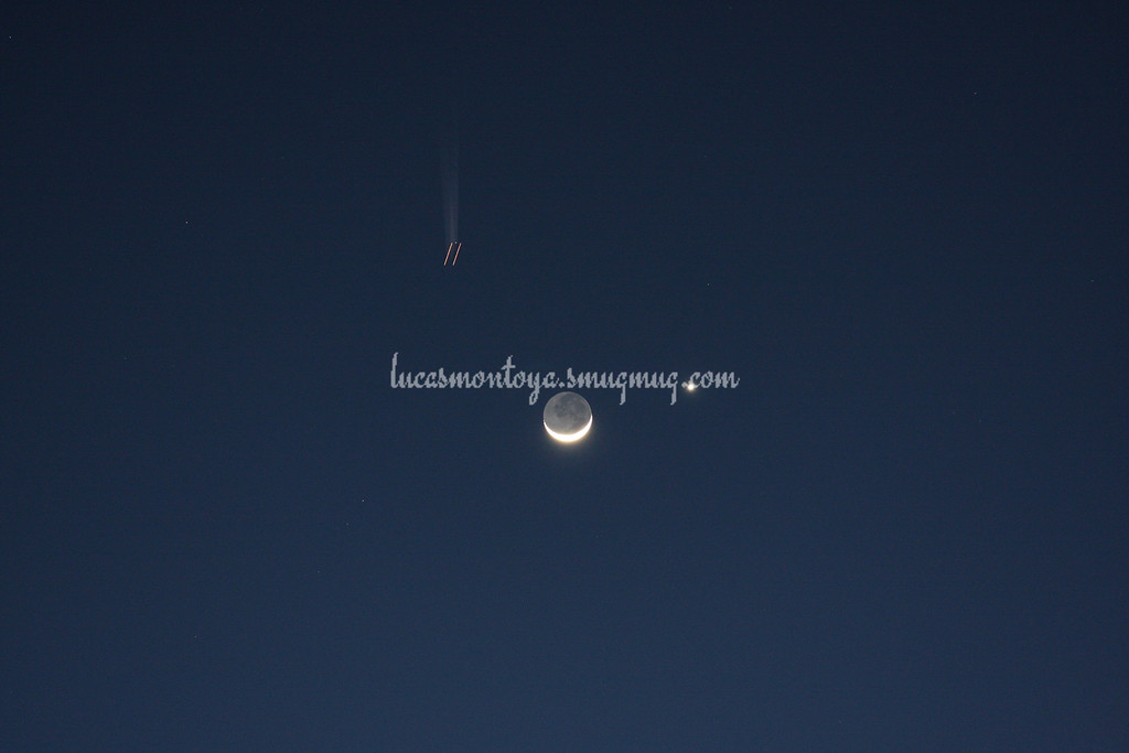 Moon/Venus Conjunction with passing aircraft in field of view, 27 Feb 2009 - Colorado Springs, CO