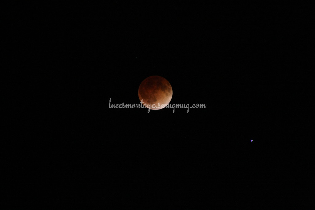 2014-04-15 Lunar Eclipse; entering into total eclipse. Spica is star at lower right of moon.