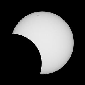 Partial solar eclipse as seen from Sydney on 2013-05-10  Sony A100 DSLR with Sony 500/8 AF Reflex, 1/800 s, f/8, ISO 200