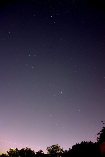 Short exposure wide field view towards Orion from Sydney on 2013-03-1.  After twilight and moon down but lots of light pollution.<br /> <br /> Sony RX100, 25 s, f/1.8, 10.4 mm, ISO 400.