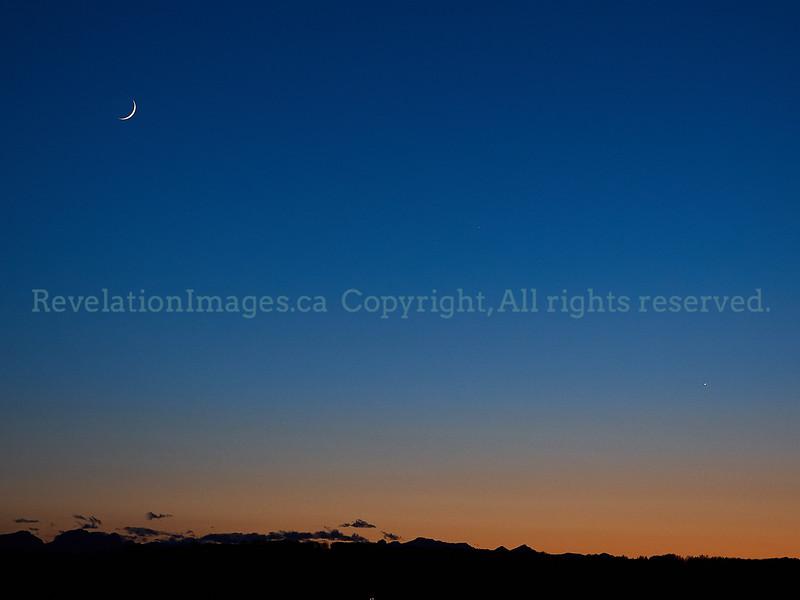 Crescent Moon, Mercury and Venus, 2020 05 24.