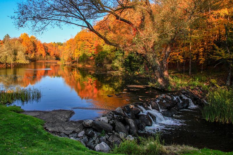 Autumn Colorfest at the Presque Isle River 3