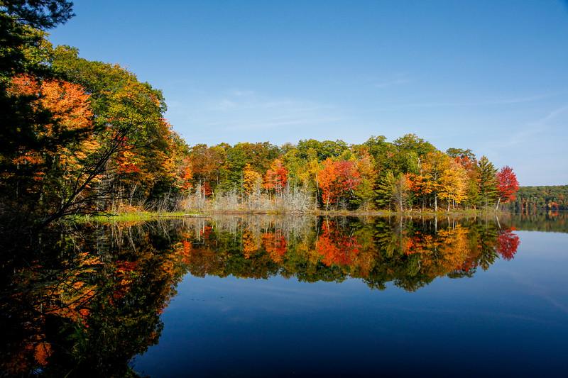 Autumn at Beautiful Frank Lake 1