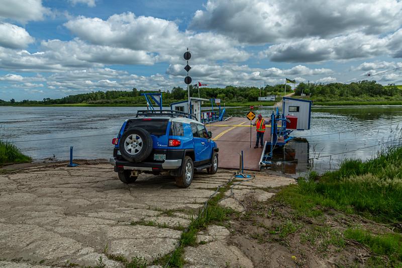 Ferry over South Saskatchewan River 7-8-19_V9A7263