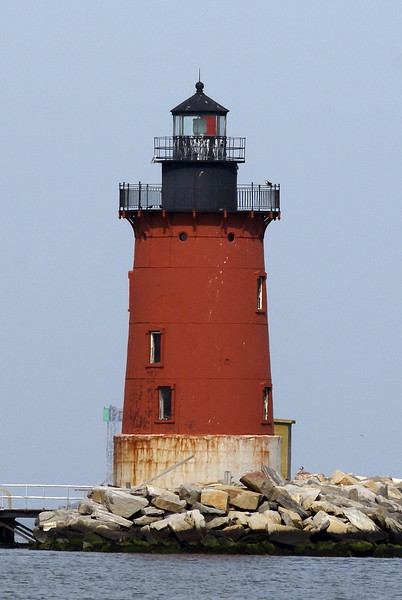Cape Henlopen Lighthouse (with Osprey on right)