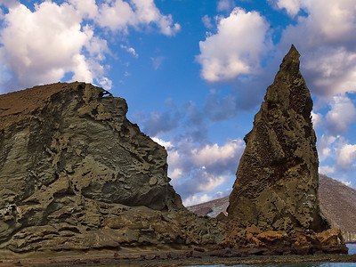 glc16:  Pinnacle Rock and double arch on Bartolome Island