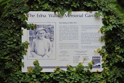 Edna Walling Memorial Garden Information - Buderim Forest Park, Monday 8 March 2010 - handheld photos.
