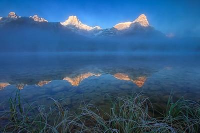 Misty Upper Waterfowl Lake