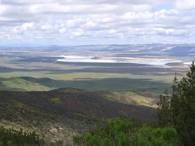 Another view of Soda Lake and the plains below, from the parking area at the northern end of the ridge trail.