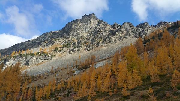Carnet Mountain High Route & Mt Maude Oct 2015