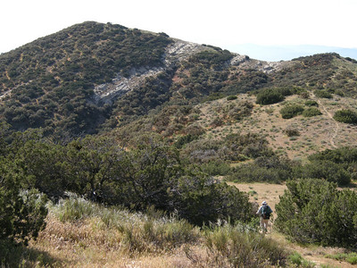 Approaching the southern terminus of the trail, which ends atop Caliente Peak.