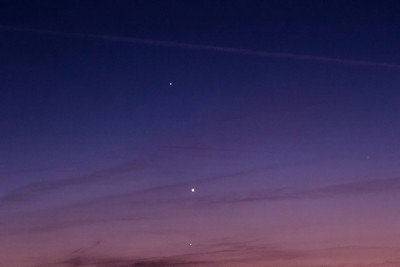 Planet conjunction- May 29, 2013.  Jupiter, Venus, Mercury from bottom to top