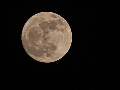 Pleine lune du 17 février 2011 - Capture: Lumix G1 + Panasonic 100-300 - Edit: Capture One 8