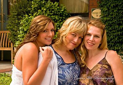 Kelli, Susan and Kristi at Porters.