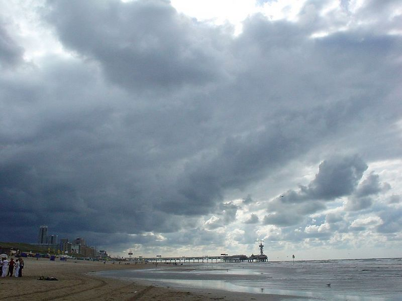 Rainstorms had been emptied on us all day. By 4pm, the last and biggest of them was seen hitting the coast where he'd soon dissolve over the warm land.