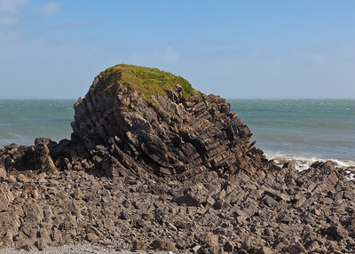 Syncline near Stackpole Quay