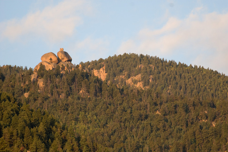 From the lane next to our motel, these rocks looked like a cat sitting on the ridge.