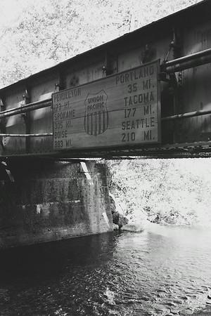 Train bridge at Multnomah Falls lodge
