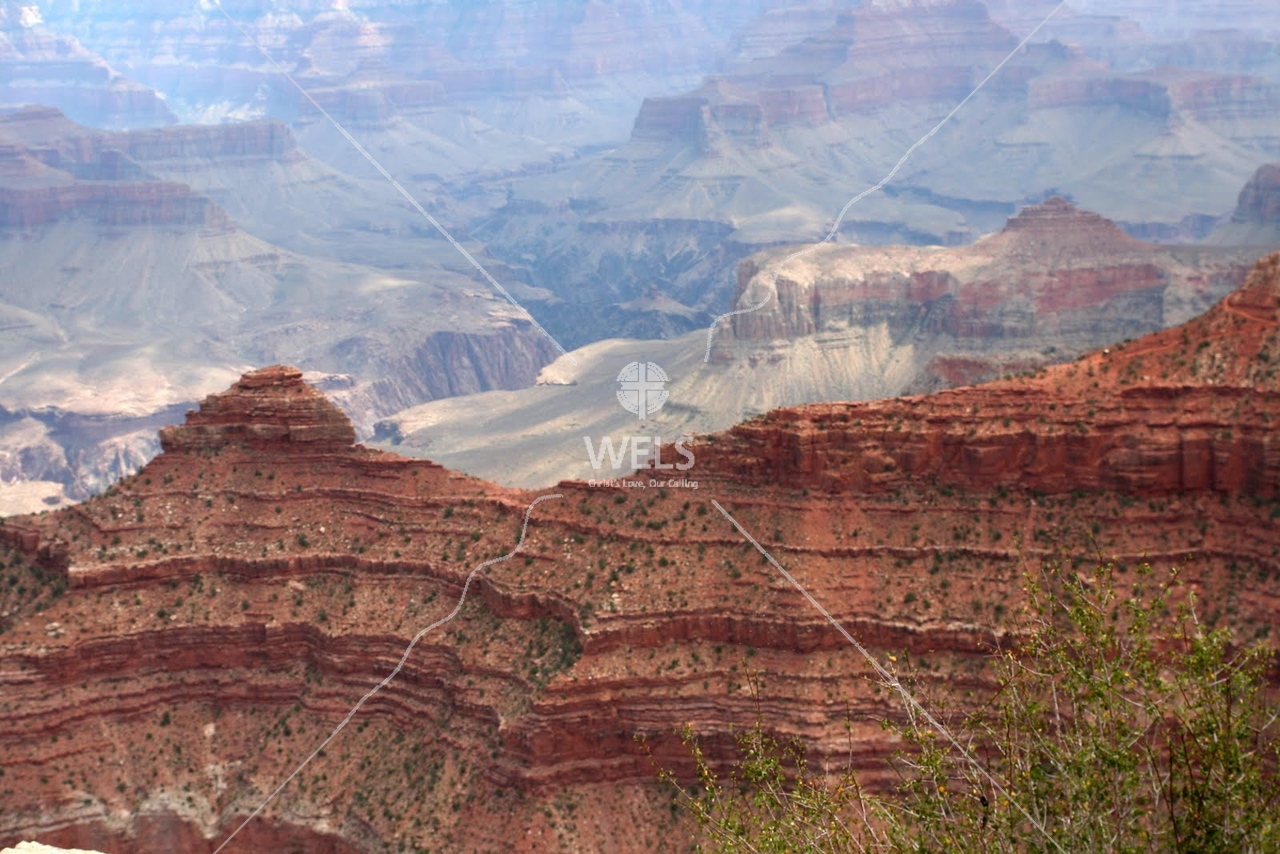 The colors are beautiful in the Grand Canyon by tluecke