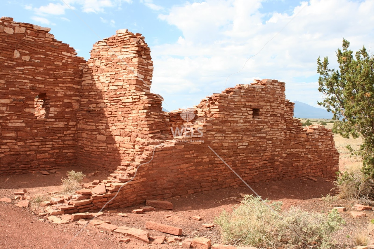 A fairly intact pueblo structure at the Grand Canyon by tluecke