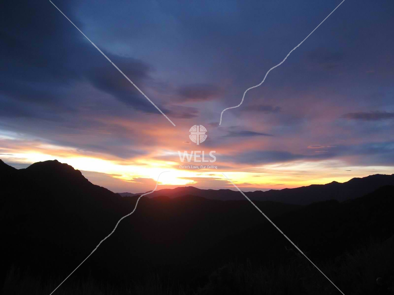 Sunrise over the ranges near Alishan, Taiwan by kstellick
