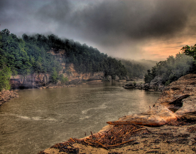 5 image HDR stack over Cumberland Falls