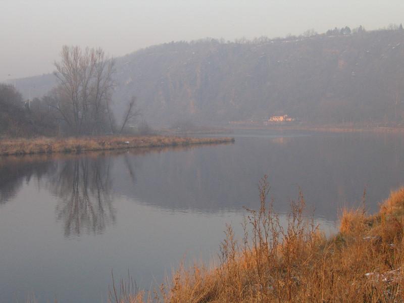 Vltava v Podhoří v polovině ledna